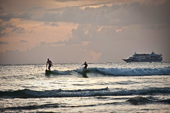 SPIRIT OF HAWAII (SURFING USA) (RUSSIANTEXAN ) Tags: sunset sky clouds hawaii nikon waves ship waikiki oahu sur