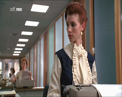 MAD_MEN__01x04__720x576i__20101028__ZDFneo__MPG__Snapshot (tuxedoDE) Tags: woman ruffles blouse tieneck