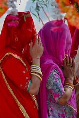 Veiled Women Worshipping, Road to Ranakpur (Peter Cook UK) Tags: ranakpur veiledwomenworshipping