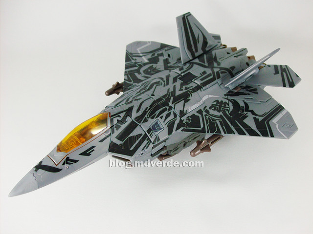 Transformers Starscream HftD Leader Class - modo alterno