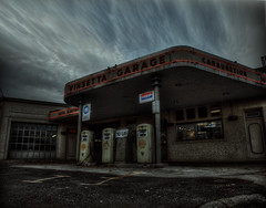 Vinsetta Garage (VKMUSTBEDESTROYED) Tags: vintage michigan artdeco woodward gaspumps postapocalypse vinsettagarage