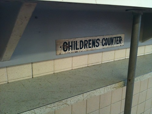 Rutt's Hut Children's Counter
