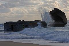 bunker capbreton (carlus beach!) Tags: ocean wave bunker capbreton flickrunitedwinner