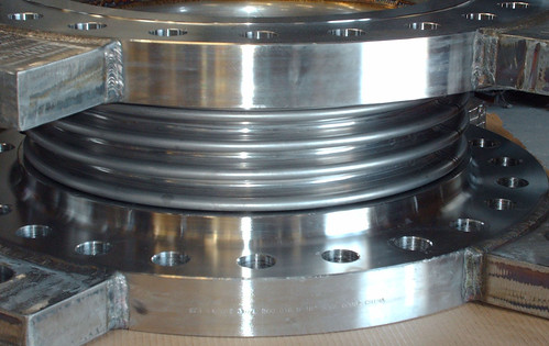 "18"" Single Expansion Joints for an Offshore Oil Platform Under Construction in Korea"