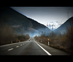 De camino (pimontes) Tags: road camino carretera nieve frío montañas automovil pirineos cohe
