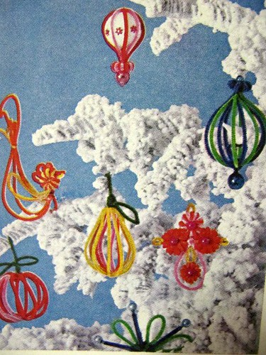 DIY Holiday Ornaments: Better Homes and Gardens (1967)