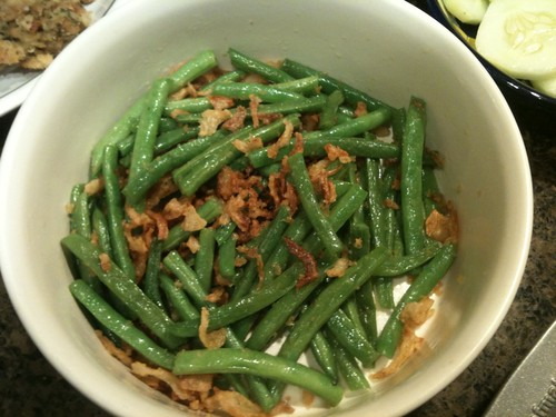 String beans and fried onions
