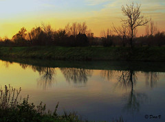 Life time (Dora Joey) Tags: life sunset reflection river tramonto time fiume reflejo tempo vita riflesso almanacer sile