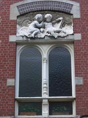 Roubaix(59), Maison du peintre Rémy Cogghe (1854-1935), 22 rue Rémy Cogghe (anciennement rue des fleurs) (Yvette G.) Tags: lapiscine roubaix muséed'artetd'industrie demeuresdel'esprit rémycogghe 22ruerémycogghe