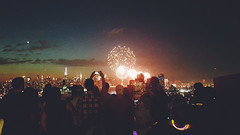 Independence Day (Juni Safont) Tags: independenceday nyc newyorkcity brooklyn manhattan williamsburg summer fireworks empirestatebuilding phonecamera night sky