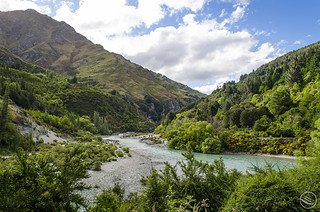 Shotover River in Arthurs Point (Queenstown, New Zealand)