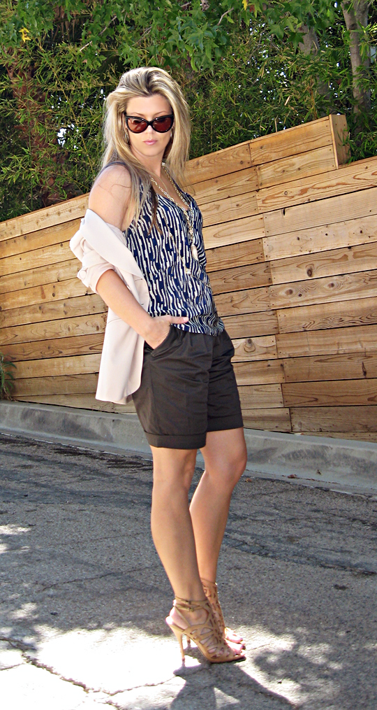 shorts and blazer+gold accessories+Tom Ford Anouk sunglasses+nude cut out heels+print tank blouse-og