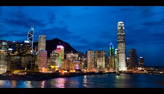 Splendid Hong Kong (terencehonin) Tags: city light hk night hongkong nikon harbour magic handheld moment nikkor   cpl hoya 1735mm d700 afszoomnikkor1735mmf28difed
