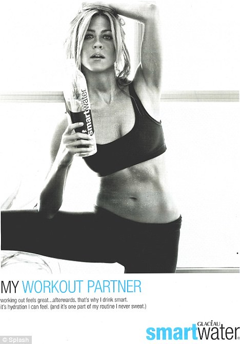 jennifer_aniston_smart_water