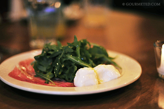 Burrata, prosciutto, arugula and olive oil