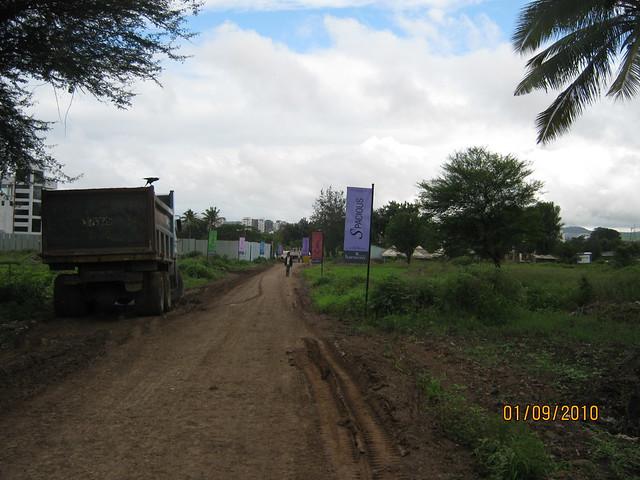 Kalpataru Harmony Wakad Pune -  approach road
