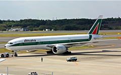 I-DISD (lkarasawa) Tags: japan alitalia nrt naritainternationalairport skyteam boeing777200 rjaa