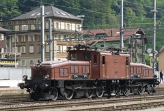 Gotthard Krokodil (Ce 6/8 II) in Erstfelden (W-chlaus) Tags: brown alps train schweiz switzerland suisse swiss eisenbahn sbb locomotive braun bahn ce locomotora ffs 68 lokomotive lok 瑞士 krokodil gotthard elektro cff lokomotywa 14253 ce68 швейца́рия локомоти́в erstfelden