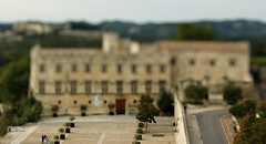 Going to the museum (Siannon) Tags: miniature hms tiltshift faketiltshift