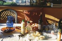 Lazin' on a sunny afternoon (annasbraga) Tags: friends music food mm 35 minoltasrt101 lazinonasunnyafternoon