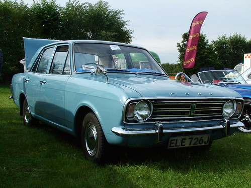 Flickr: Discussing FORD Cortina (1962-1988) in CAR SPOTTERS