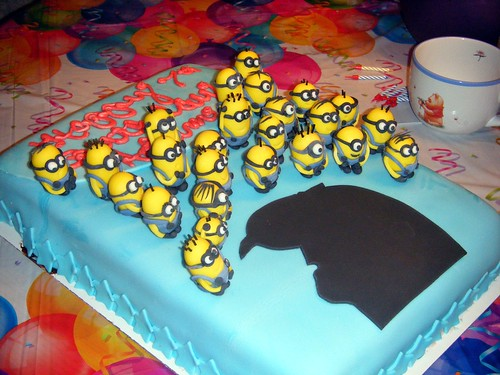Tarta, pastel, torta, bizcocho de los Minions.