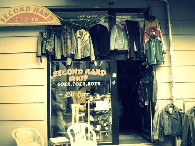 Berlin secondhand shop Sir Henri_phixr