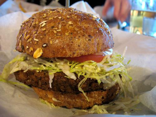 bare_burger_02