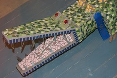 _DSC1610 (trekbody) Tags: tile crafts statefair unitedstatesofamerica fair crocodile northamerica daytime colorphoto landscapeorientation minnesotastatefairgrounds unrealarrangements ramseycounty{mn} minnesotamn{usa} statefairgrounds{stpaul} stpaul{ramseycounty}