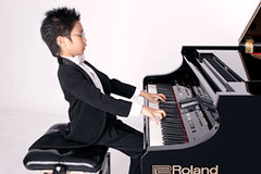 Marc Yu plays a Roland