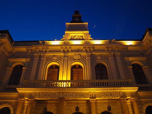 Banco Nacional - Noche
