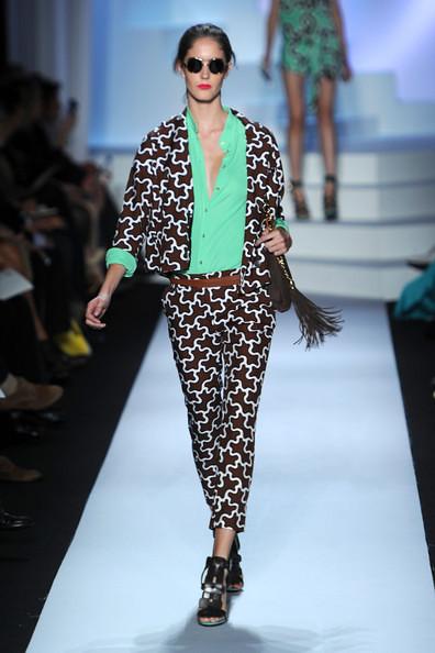 Diane+Von+Furstenberg+Runway+Spring+2011+MBFW+BkJ4rAAsQOyl