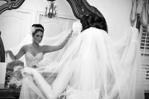 Bridal Styles bride Arbionda and her lovely two tier veil