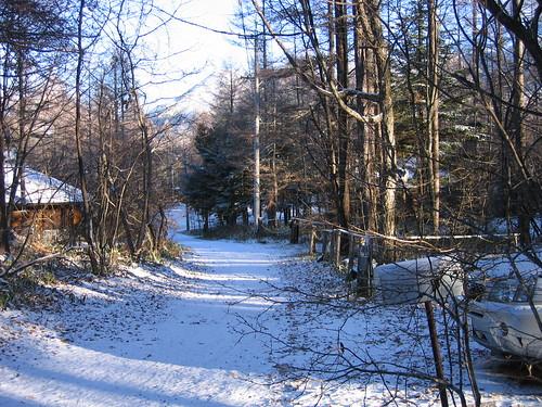 山荘前の道路の新雪 07.11.19 by Poran111