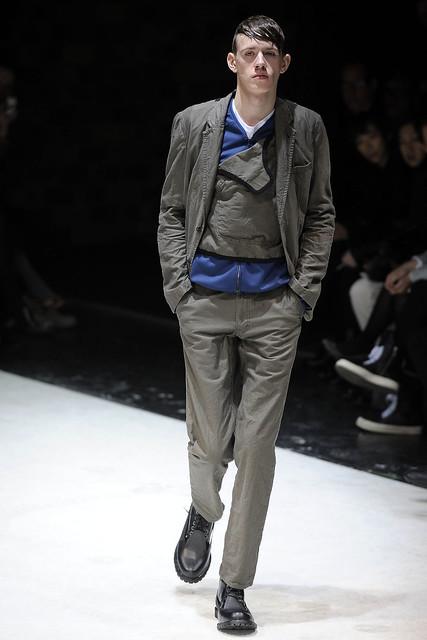Felix Drepper3008_FW10_Paris_Comme des Garcons Homme Plus(VOGUEcom)