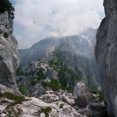 The Kehlstein passage to the Hoher Gll (Bn) Tags: bavaria berchtesgaden topf50 hiking vista gorge eaglesnest kehlsteinhaus topf100 gipfelkreuz knigssee panoramicview kehlstein 100faves 50faves gll hohergll snowinthesummer southofgermany kehlsteinmountain vertoramic 1834m hohergll2522m snowonthemountain2522m mountaintopcross sappensteig ofenerboden berchtesgadenvalley viewonhohergll