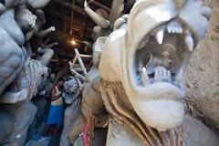 Dans le quartier des sculpteurs (hubertguyon) Tags: india work artist religion travail western bengal calcutta sculptor scupture inde quartier artiste sculpteur sculpteurs kumartuli bengaleoccidental earthasia