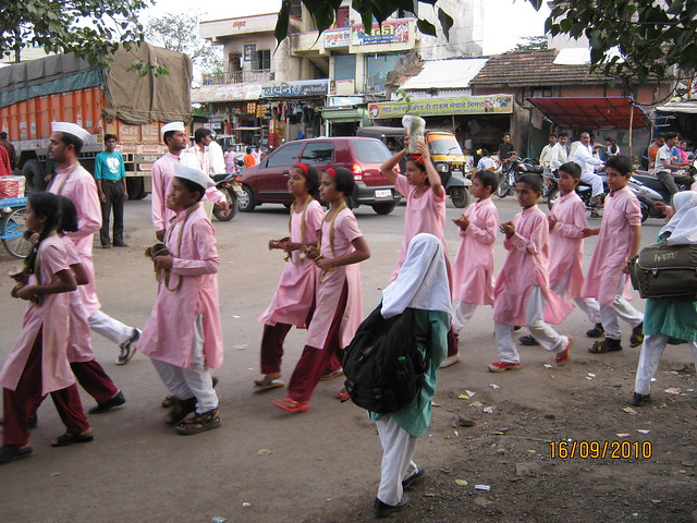 Ganpati Visarjan at Chikhali Village - two types of girls in one village