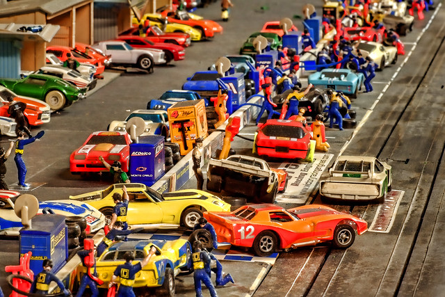 Slot cars by doogle510 on flickr