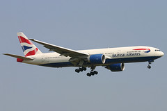 British Airways - G-VIIS (Andrew_Simpson) Tags: heathrow landing ba boeing britishairways 777 lhr heathrowairport oneworld egll triple7 777200 777200er oneworldalliance gviis