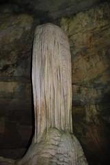 Lost World Caverns (Bitmapped) Tags: usa unitedstates westvirginia rollinghills lewisburg lostworldcaverns