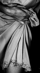 """""""Quando, figlia di luce, brill l'Aurora dalle dita di rosa"""" (Helene Kertsz) Tags: mani nostalgia forza seta pizzo solitudine mancanza pieghe intimit stretta aridit sottoveste debolezza"""