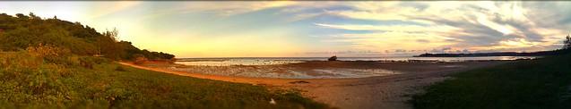 煮詰まったので夕暮れの海岸にたそがれに来たiPhoneパノラマ