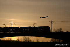 Fly to SeaTac! (SD70MACMAN) Tags: lightrail soundtransit linklightrail tukwilastation