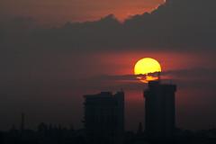 [フリー画像] 建築・建造物, 高層ビル, 夕日・夕焼け・日没, インド, 201010281900