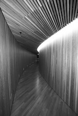 Oslo Opera House (XVII) (manuela.martin) Tags: blackandwhite bw oslo norway architecture opera architektur operahouse contemporaryarchitecture snøhetta modernearchitektur oslooperahouse lundevall husettarald