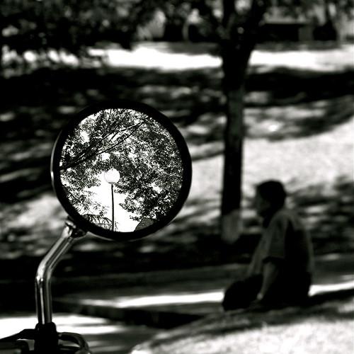 pensando en la luna by eMecHe