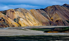 Light in Landmannalaugar (@PAkDocK / www.pakdock.com) Tags: ocean trip travel iris light sunset red sea panorama cloud naturaleza sun lake cold art fall tourism luz sol window nature water sunrise landscape geotagged outdoors photography volcano iceland islandia dock agua nikon scenery long exposure mood colours view dynamic south country north paisaje running falls explore crater midnight land geology gps rhyolite paysage volcanic landschaft frontpage artic arco breathtaking sland midnightsun pak hekla icelandic volcan northernmost landmannalaugar magiclight eyjafjallajkull d90 medianoche ljtipollur lveldi pakdock