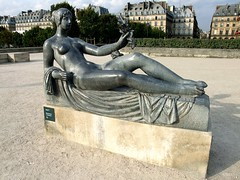 Jardin du Carrousel: Maillol Monument  Czanne: Paris: September 2010 (Barmy Bee) Tags: paris monument  du september carrousel maillol czanne ardin