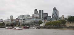 IMG_2520A (DavidQuick) Tags: london gherkin thamespath customhouse